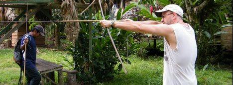 indigène Kekoldi costa rica voyage agence de voyage tir à l'arc traditionnel indigène du sud du Costa Rica