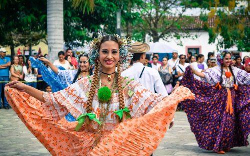 Danse traditionel Costa Rica voyage agence francophone sur mesure destination 2018