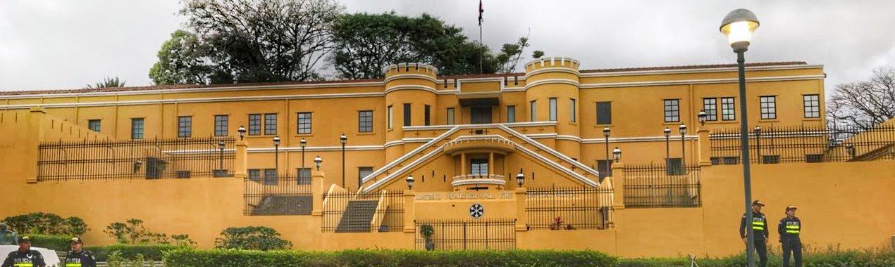 musée national costa rica agence de voyage san josé capital culture histoire précolombienne armée francophone