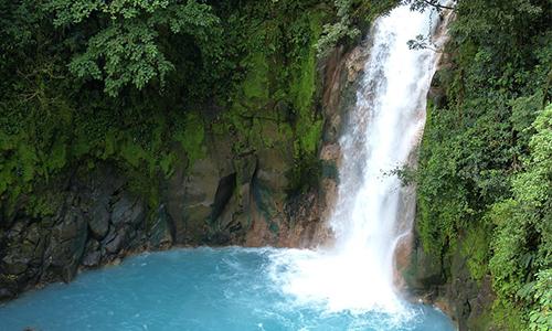 rio_celeste_costa_rica_voyage lieu à découvrir unique