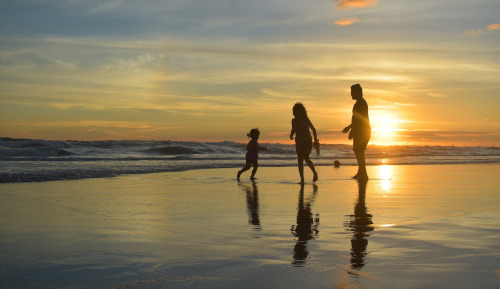 famille au Costa Rica, plage, Costa Rica Voyage, agence francophone, sur mesure