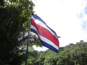 sécurité au costa rica, drapeau, costa rica voyage, agence francophone, sur mesure