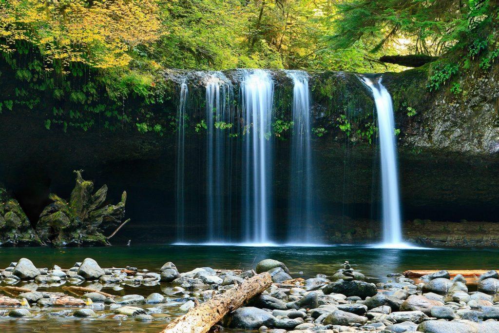 le tourisme bien-être au Costa Rica grâce aux cascades, costa rica voyage est une agence francophone qui conçoit des voyages sur-mesure